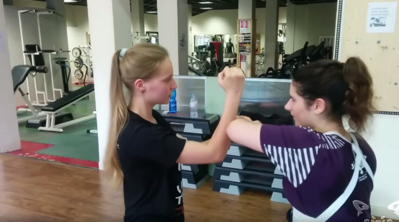 Lap sao training: Nicole & Viktoria from Italy