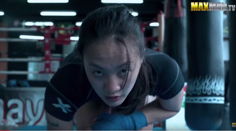 neardy muay thai girl prank in the gym