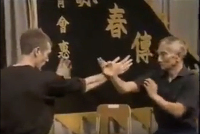 Ip Chun (93 years old) does Chi Sao